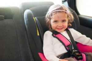 Kindersitz Test: Im Auto fahren Kinder immer in Kindersitzen